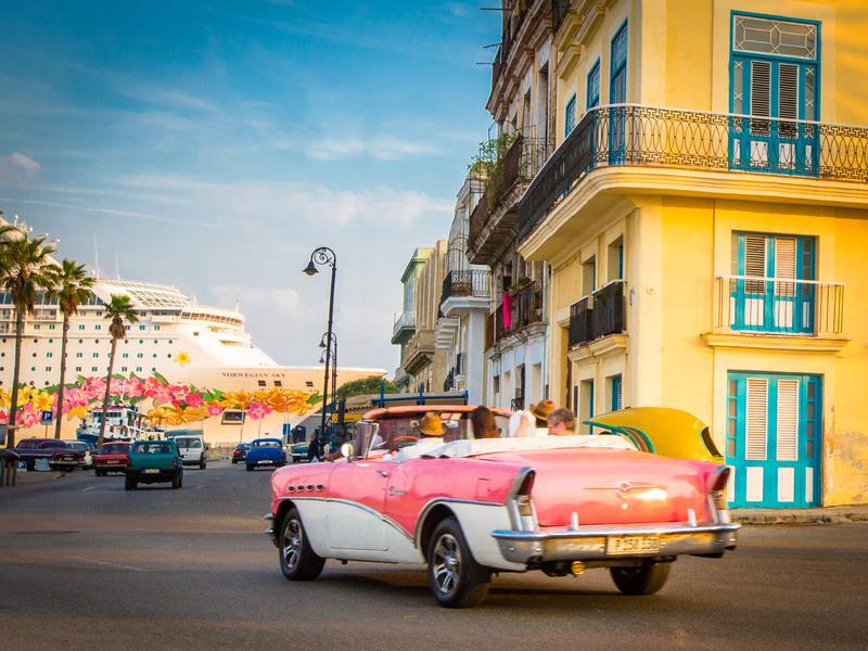 Norwegian Sun Sails to Cuba
